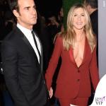 Jennifer Aniston Critics' Choice Awards tailleur Gucci Justin Theroux