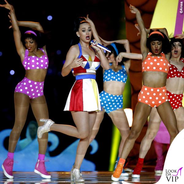 Katy Perry Super Bowl 2015 costumi Moschino by Jeremy Scott 5