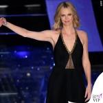 Sanremo 2015 2 serata Charlize Theron abito Jenny Packham