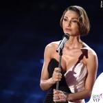 Sanremo 2015 3 serata Anna Tatangelo abito Francesco Paolo Salerno scarpe Le Silla 2
