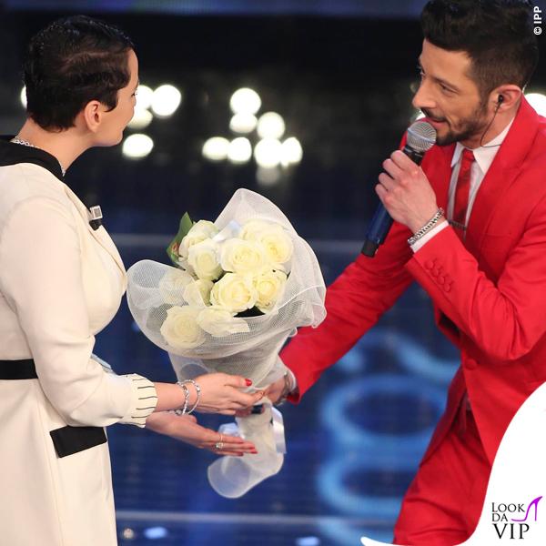 Sanremo 2015 4 serata Nesli abito Philipp Plein scarpe OXS