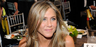 Screen Actors Guild Awards Justin Theroux Jennifer Aniston abito John Galliano collana Amrit 6
