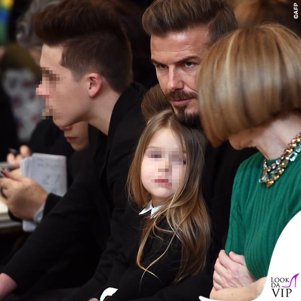 sfilata Victoria Beckham David Harper Beckham Anna Wintour maglia gonna Prada 2