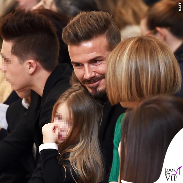 sfilata Victoria Beckham David Harper Beckham Anna Wintour maglia gonna Prada