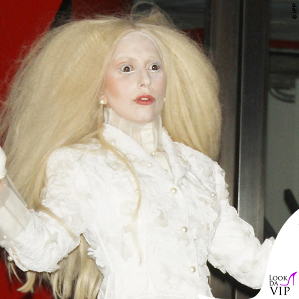 Lady Gaga hairstyle 2