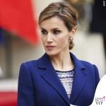 Regina di Spagna Letizia Ortiz visita Francia abito clutch Felipe Varela scarpe Magrit 5
