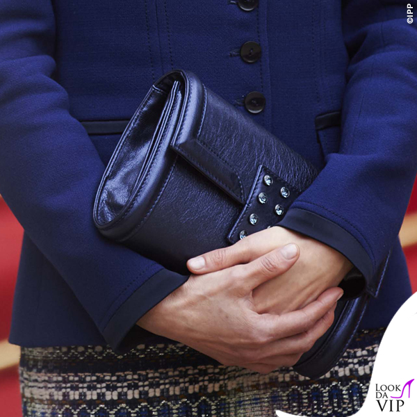 Regina di Spagna Letizia Ortiz visita Francia abito clutch Felipe Varela scarpe Magrit 6
