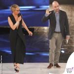 Maria De Filippi Amici prima puntata tuta Maison Margiela scarpe Christian Louboutin Roberto Saviano
