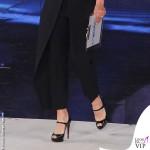 Maria De Filippi Amici prima puntata tuta Maison Margiela scarpe Christian Louboutin 5