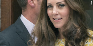 Kate Middleton Lindo Wing abito Jenny Packham Royal Baby copertina GH Hurt & Son Ltd