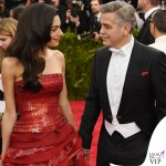 Met Gala 2015 Amal Alamuddin abito Martin Margiela by John Galliano George Clooney total Armani