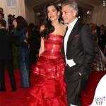 Met Gala 2015 Amal Alamuddin abito Martin Margiela by John Galliano George Clooney total Armani 5
