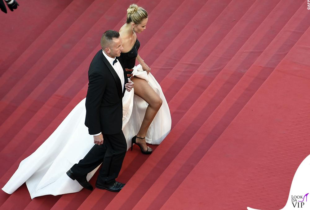 Natasha Poly Cannes 2015 abito Atelier Versace 3