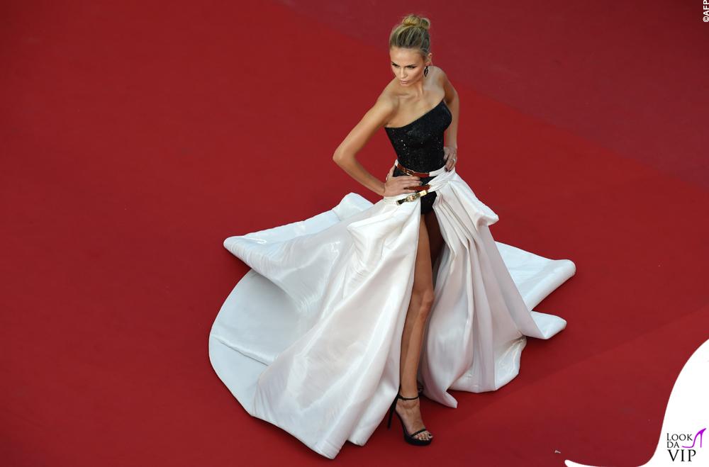 Natasha Poly Cannes 2015 abito Atelier Versace 4