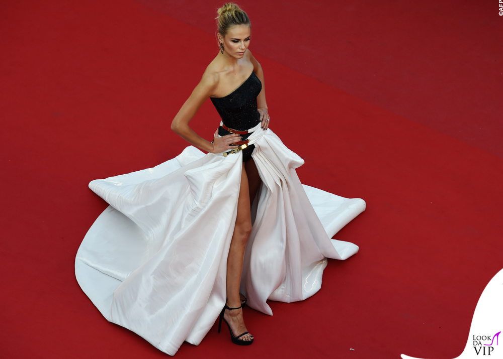 Natasha Poly Cannes 2015 abito Atelier Versace 5