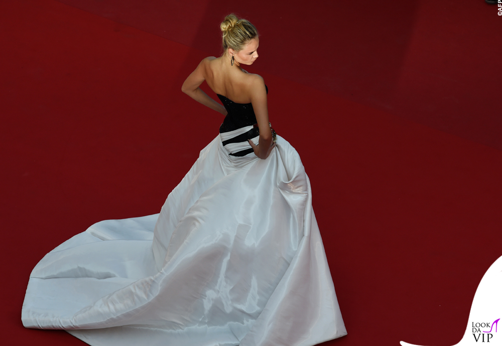 Natasha Poly Cannes 2015 abito Atelier Versace 6