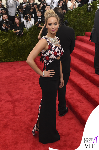 met gala Jennifer Lopez Beyoncé Sofia Vergara Selena Gomez Rihanna Lady Gaga Miley Cyrus (12)