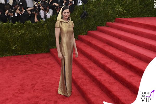met gala Jennifer Lopez Beyoncé Sofia Vergara Selena Gomez Rihanna Lady Gaga Miley Cyrus (39)