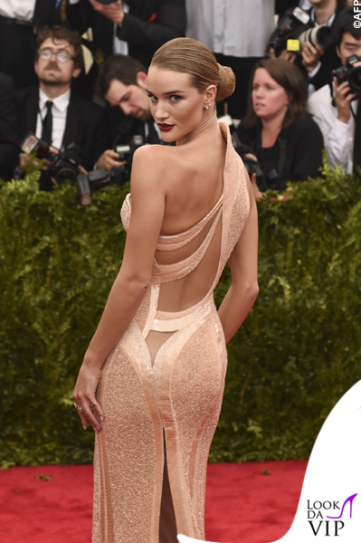 met gala Jennifer Lopez Beyoncé Sofia Vergara Selena Gomez Rihanna Lady Gaga Miley Cyrus (60)