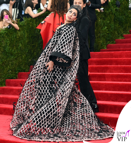 met gala Jennifer Lopez Beyoncé Sofia Vergara Selena Gomez Rihanna Lady Gaga Miley Cyrus (92)