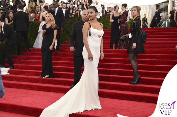 met gala Jennifer Lopez Beyoncé Sofia Vergara Selena Gomez Rihanna Lady Gaga Miley Cyrus (94)