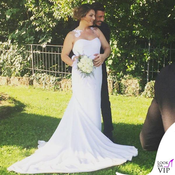 Nozze Salvatore Esposito Silvia Tatangelo abito Francesco Paolo Salernog