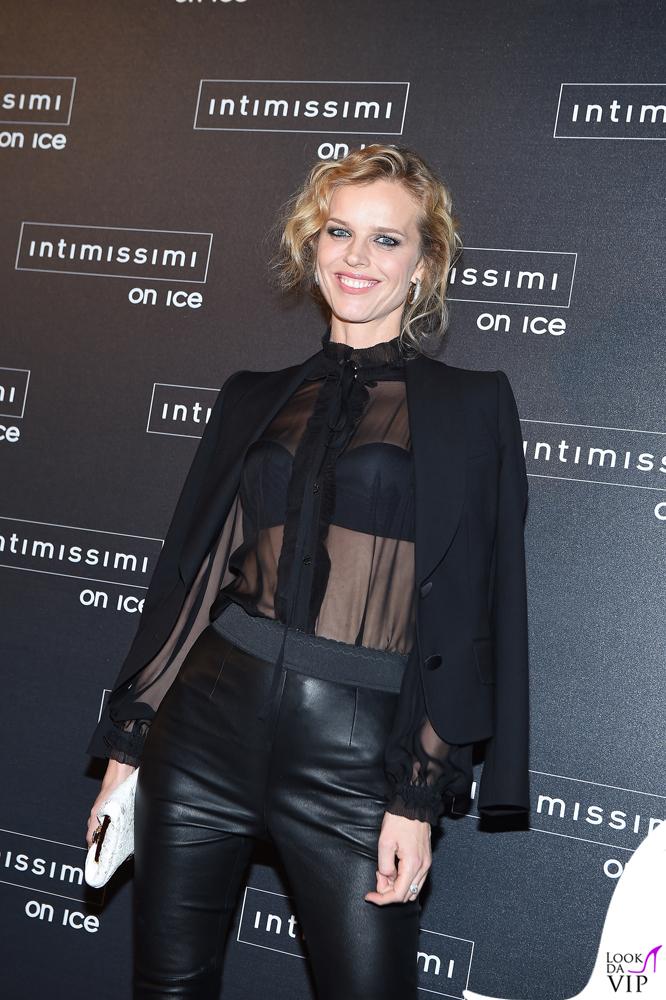 Intimissimi On Ice Eva Herzigova total Dolce & Gabbana 2