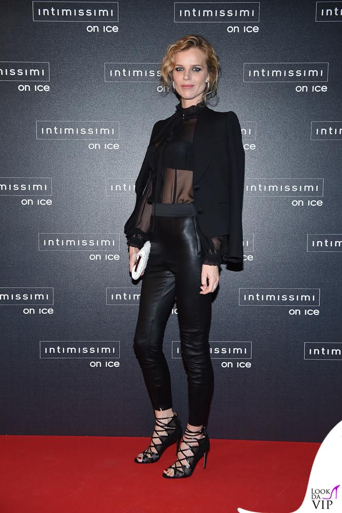 Intimissimi On Ice Eva Herzigova total Dolce & Gabbana 3