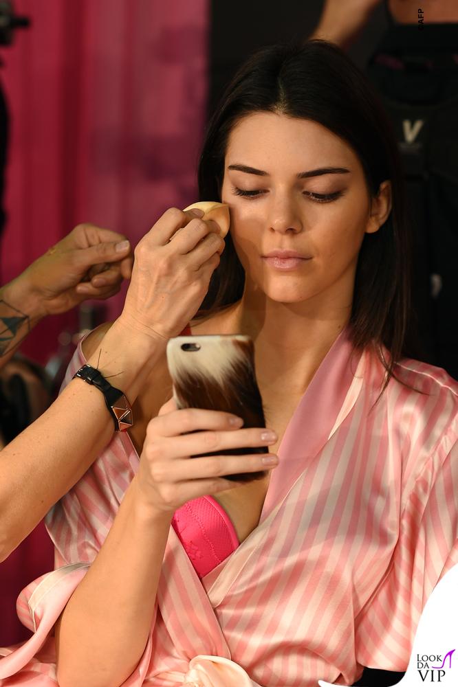 Victoria's Secrets Fashion Show backstage Kendall Jenner 2