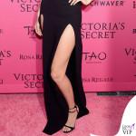 Gigi Hadid body House of CB gonna Sally LaPointe sandali Tamara Mellon 4