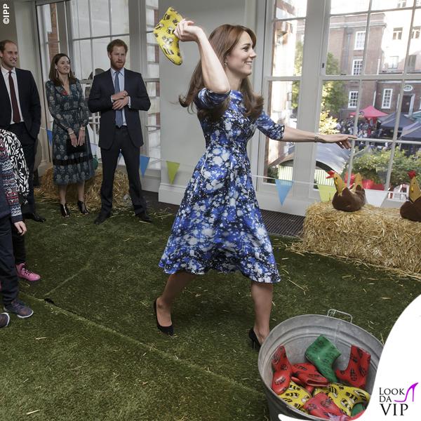 Kate Middleton The Charities Forum abito Tabitha Webb scarpe Jimmy Choo orologio Cartier 2