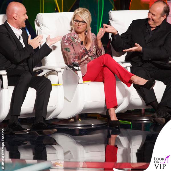 Maria De Filippi Tu si que vales 7 puntata giacca pantaloni scarpe Gucci