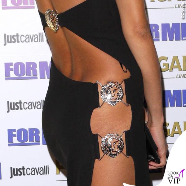 Mariana Rodriguez presentazione calendario ForMen abito Versace 3