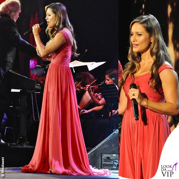 Concerto di Natale Canale 5 Lola Ponce abito Rani Zakhem