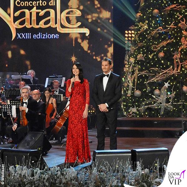 Concerto di Natale Canale 5 Silvia Toffanin abito Diane Von Fustemberg Alvin 3