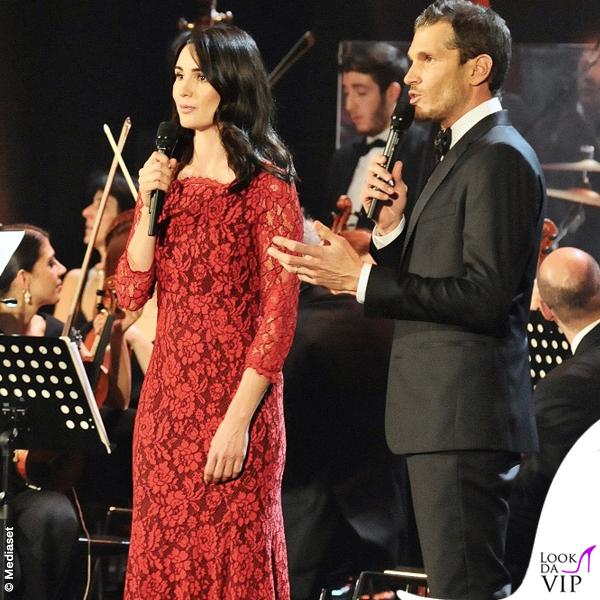 Concerto di Natale Canale 5 Silvia Toffanin abito Diane Von Fustemberg Alvin