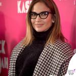 Jennifer Lopez occhiali cappotto Max Mara