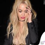 Rita Ora gioielli Jacquie Aiche borsa Stella McCartney 2