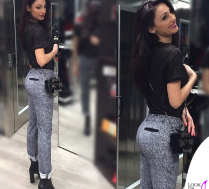 Anna Tatangelo pantaloni Lamarca scarpe Unlace clutch Chanel