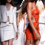 PFW 2016 Joan Smalls sfilata Versace Haute Couture 2