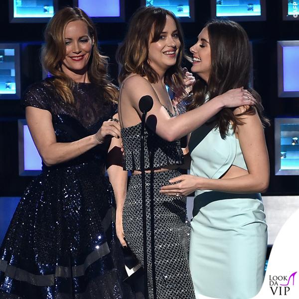 People's Choice Awards Leslie Mann Dakota Johnson Alison Brie abito Armani Privé 3