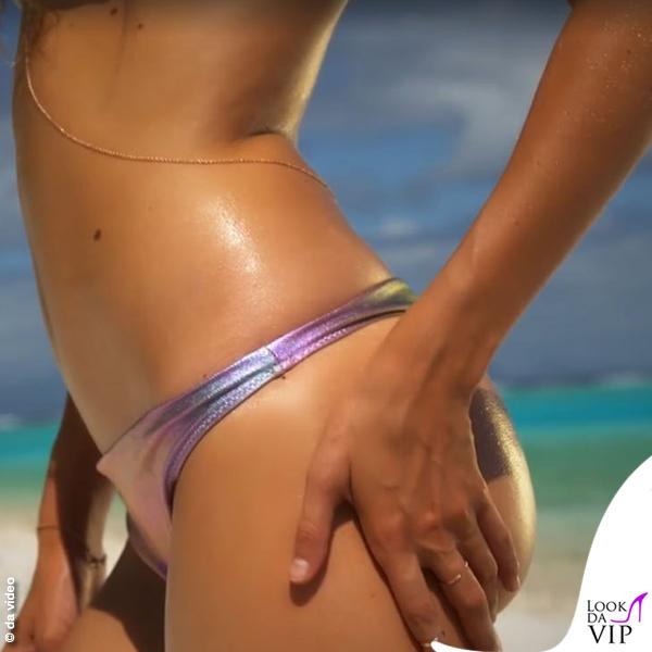 Gigi Hadid bikini metallico 2
