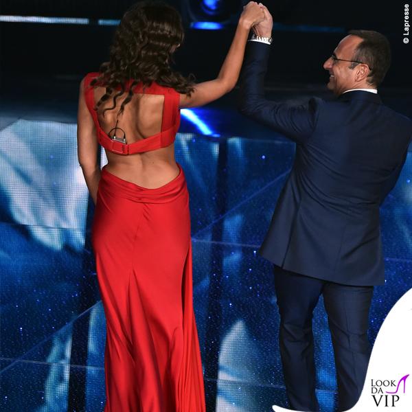 http://lookdavip.tgcom24.it/wp-content/uploads/2016/02/Madalina-Ghenea-Sanremo-2016-terza-serata-abito-Vionnet-rosso-9.jpg