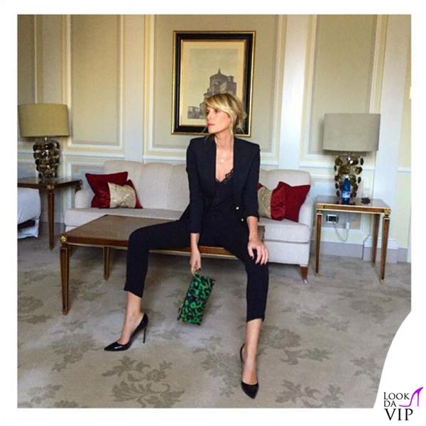 Alessia Marcuzzi presentazione Isola dei Famosi total Versace 7