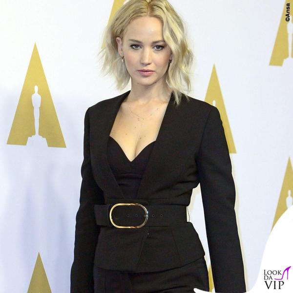 Jennifer Lawrence tailleur Stella McCartney