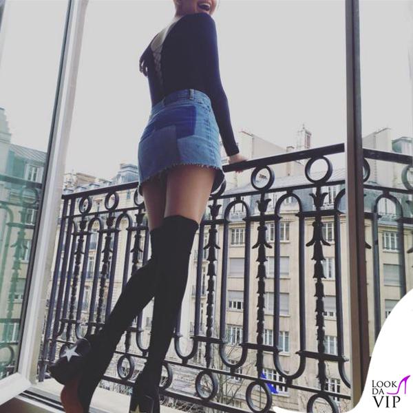 Selena Gomez top Alexander Wang skirt Vetements stivali Givenchy 3