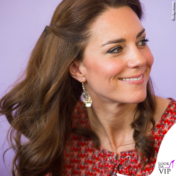 Kate Middleton India abito Glamorous ballerine Russell and Bromley orecchini Accessorize 6