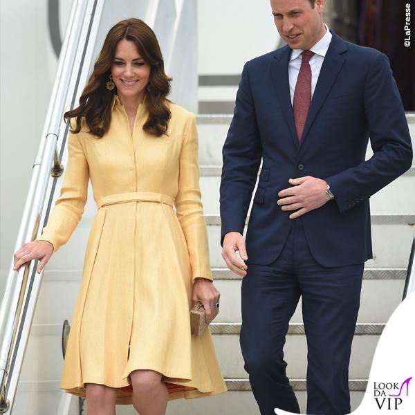 Kate Middleton India quinto giorno abito Emilia Wickstead pump clutch LK Bennett orecchini Brora