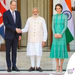 Kate Middleton India terzo giorno abito Temperley London scarpe clutch LK Bennett orecchini Kiki McDonough 2