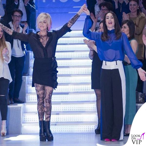 Paola Barale Verissimo camicia e gonna Amen, tuta Dsquared2, stivali Bruno Bordese 3